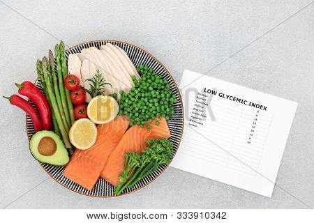 Low glycemic health food for a diabetic diet high in vitamins, minerals, antioxidants, protein, anthocyanins & omega 3 fatty acids. Corresponding food list with values below 40 on the GI index.