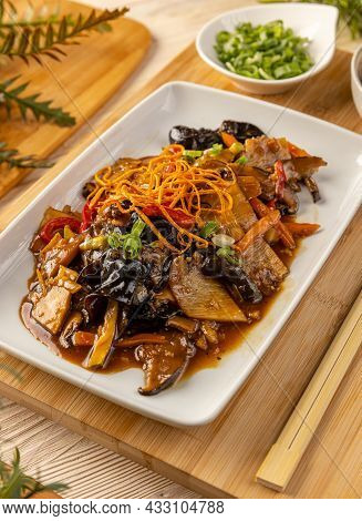 Close Up Of Noodles Stir Fry With Ear Wood Mushrooms And Bamboo Shoots