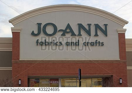 Tyler, Tx - February 15, 2019: Joann Fabrics And Crafts Located In The Cumberland Shopping Village I
