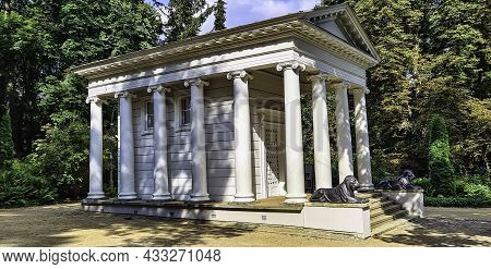 Royal Baths Park, Warsaw, Poland - August 20: Temple Of Diana Also Called Temple Of The Sibyl On 20