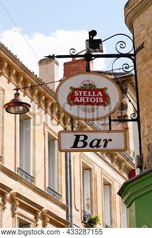 Bordeaux , Aquitaine  France - 09 10 2021 : Stella Artois Beer Belgium Brewery Restaurant Sign Text