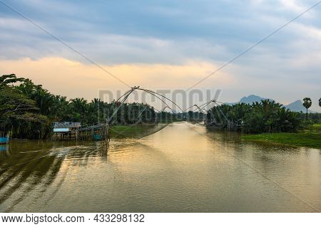 Thai Style Fishing Trap In Pak Pra Fishing Village, Net Fishing, Phatthalung, Thailand.