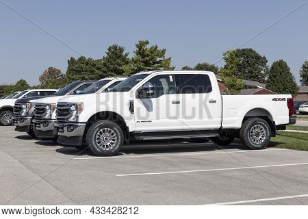 Kokomo - Circa September 2021: Ford F-250 Display At A Dealership. The Ford F250 Is Available In Xl,