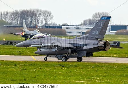 Us Air Force F-16c Fighter Jet Plane From 148th Fw Minnesota Air National Guard Before Take Off From