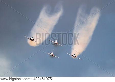 Patrouille Suisse Aerobatic Team Northrop F-5e Tiger Ii Fighter Jets Airshow Performing. Belgium. Se