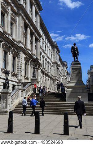 London, Uk - July 6, 2016: People Visit Her Majesty's Treasury In London, Uk. London Is The Most Pop