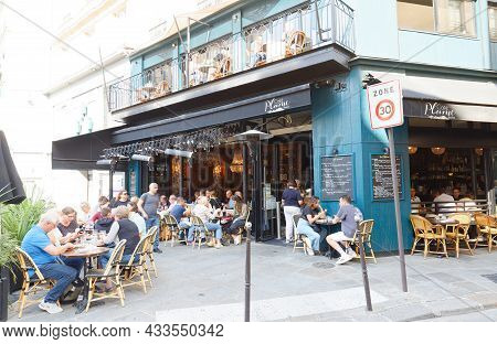 Paris, France-september 18, 2021 : The Traditional French Cafe Plume Located On The Famous Saint Hon