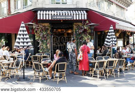 Paris, France-september 18, 2021 : The Traditional French Cafe Le Grand Cerf Located On The Famous S