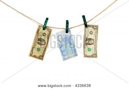 Evro And Dollar On Rope