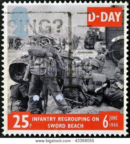 Bild des Soldaten am Sword Beach in der Normandie Infanterie Regroupong am Sword Beach zum Gedenken an d-Day