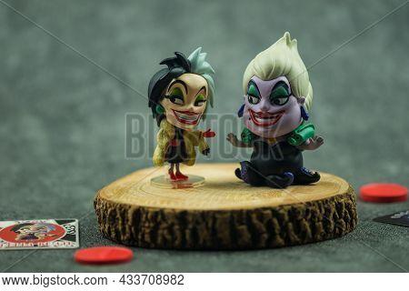 Bangkok, Thailand - September 22, 2021 : Villain Series Blind Box X Miniso, Cute Toy Of Cruella De V