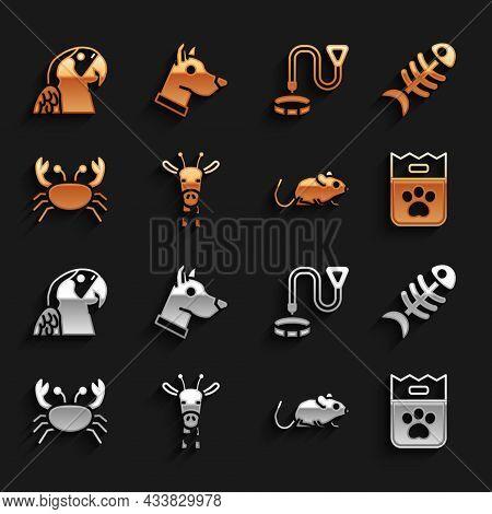 Set Giraffe Head, Fish Skeleton, Bag Of Food, Rat, Crab, Collar With Name Tag, Macaw Parrot And Dog