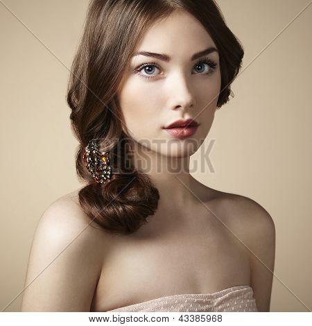 Retrato de joven hermosa