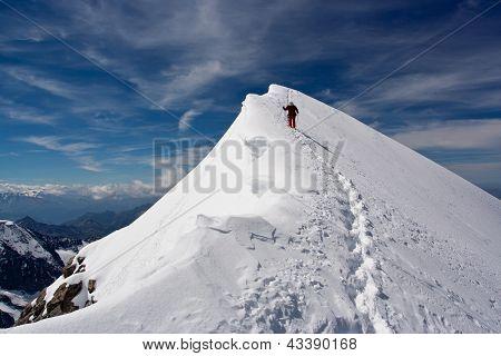 Descending Climber