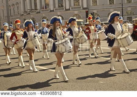 Saint-petersburg, Russia. 27 May 2018. City Day In St. Petersburg, Russia. Costume Parade Along Nevs