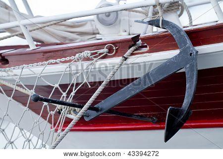 Anchor An Boat