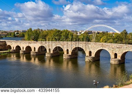 Merida, Spain - November 05, 2019: Historical Bridge, Built By The Romans. It Is The Longest Survivi