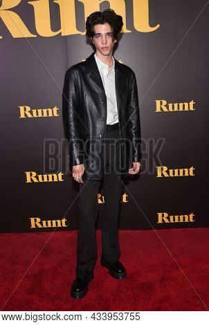LOS ANGELES - SEP 01: Seth Lee arrives for the 'Runt' Los Angeles Premiere on September 22, 2021 in Hollywood, CA