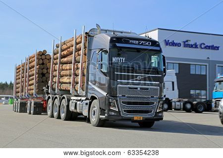 Volvo FH16 750 Woodpro Timber Hauler