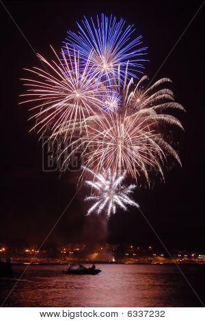 Fireworks over Swanage bay, Dorset (England)