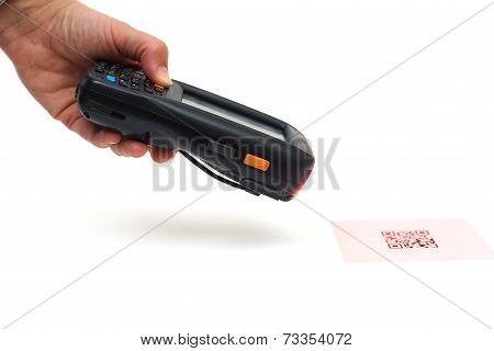 Scanning Quick Response Code .label  With Laser Isolated