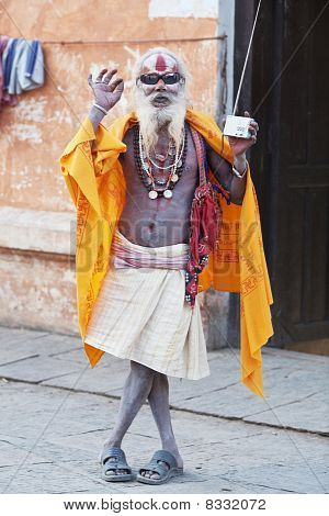 Old Shaiva Sadhu Seking Alms In Pashupatinath