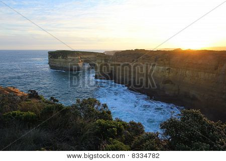 Disjoint Cliffs at the Great Ocean Road
