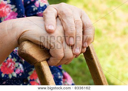 Hände der alten