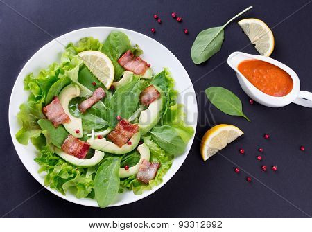 Organic Green Avocado and Spinach Salad with roasted Bacon