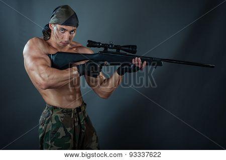 Man Sniper.
