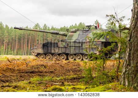 german self propelled howitzer on a battlefield