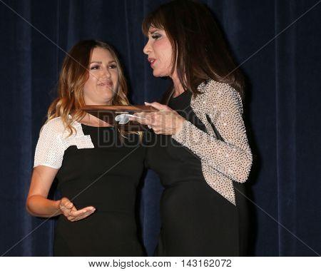 LOS ANGELES - AUG 15:  Elizabeth Hendrickson, Kate Linder at the