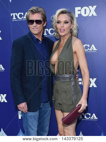 LOS ANGELES - AUG 08:  Denis Leary & Elaine Hendrix arrives to the FOX Summer TCA Party 2016 on August 08, 2016 in West Hollywood, CA