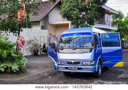 Bali,Indonesia-May 28,2010:Bali Bus Charter & Rental in Bali,Indonesia.Its provided comfortable air-conditioning bus transfer arrangement from airport to hotel in Bali with cheapest price.