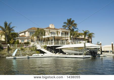 Executive House With Waterfront Access