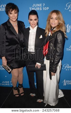 LOS ANGELES - MAY 31:  Kris Jenner, Kyle Richards, Faye Resnick at the