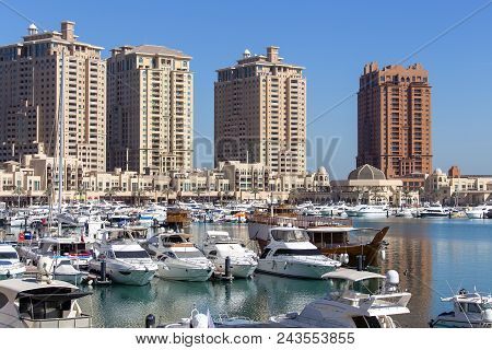 Doha, Qatar - December 25, 2017 : Harbour View In The Pearl Precinct Of Doha, Qatar, With Yachts, Bo