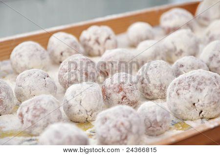 Meatball sprinkled with flour