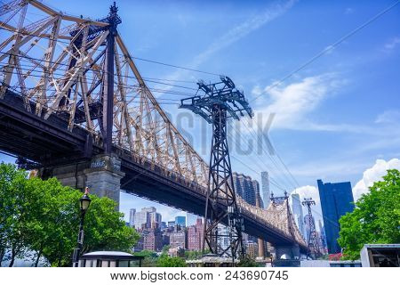 An image of the Queensboro Bridge New York