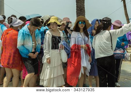 Pattaya,thailand - October 19,2019:the Beach A Large Group Of Chinese Tourists Returned From A Trip