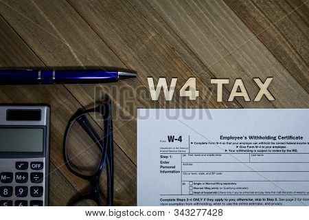 W4 Tax Form Employee Withholding Certificate Concept To Declare Multiple Jobs Or Change Withholding