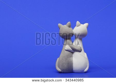 Valentines Day. Figurine Cats In Love. Cats Together Are A Symbol Of Lovers.