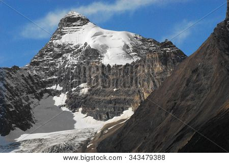 These Gorgeous Glaciers Along The Icefields Parkway In Alberta, Canada Are Rapidly Disappearing Due