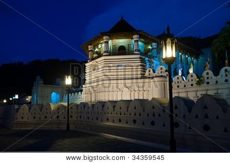 Kandy Temple of the Tooth Relic of Lord at the night