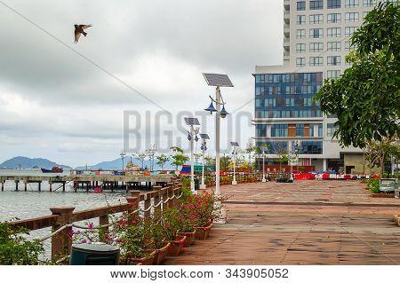 Kota Kinabalu,sabah-mac 26,2018:anjung Senja Is On The Kota Kinabalu Waterfront Promenade In Kota Ki