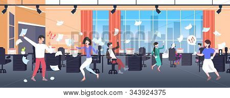 Businesspeople Throwing Papers Conflict Problem Concept Businesspeople Arguing Colleagues Disputing