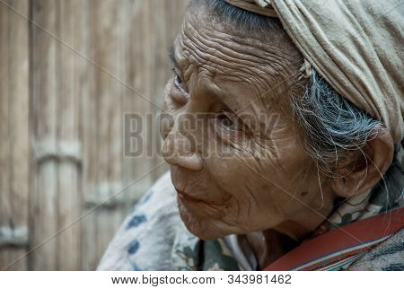 Mae Hong Son, Thailand - Jan 22, 2010 : Refugee People, Old Refugee Woman In Temporary Shelter At Re