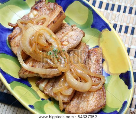 Meat with onions