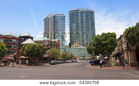 A View Of The West Sixth Apartments, Tempe