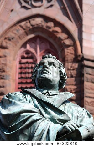 Martin Luther Statue 2